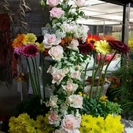 創立90周年記念の教会献花