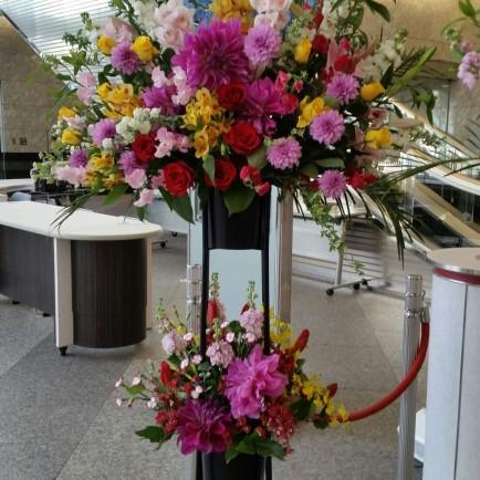 発表会のお祝いのスタンド花