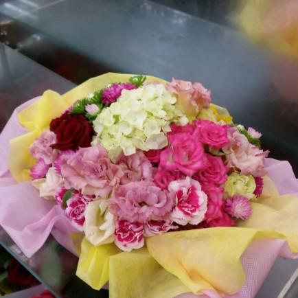 結婚記念日祝のアレンジメント