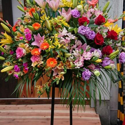 淀川区 十三の焼き鳥屋さんの開店祝いのスタンド花