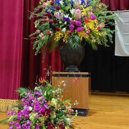 卒業式式場装花