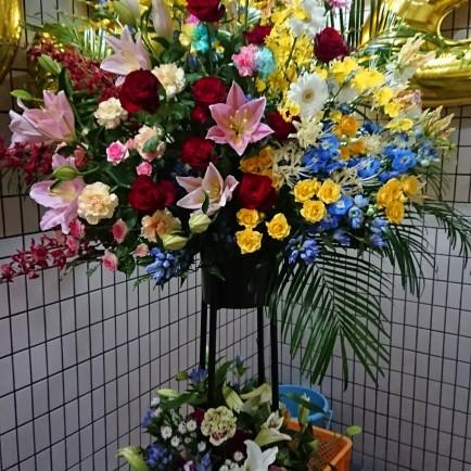 淀川区 十三本町のBARの一周年のお祝いスタンド花
